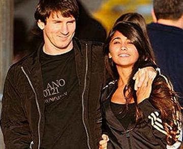 Messi+girlfriend+breast