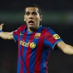 Dani Alves : Barcelona Fans Better Than Arsenal Fans