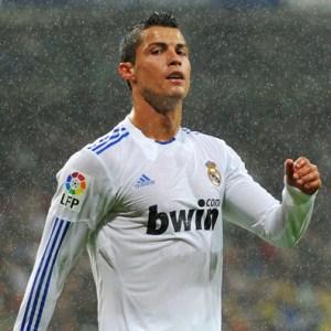 http://totalfootballmadness.com/wp-content/uploads/2010/10/Cristiano-Ronaldo-5.jpg