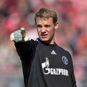 Manchester United Watching Schalke Goalkeeper Manuel Neuer
