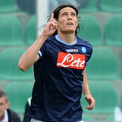 Manchester United Join Race To Sign Edinson Cavani