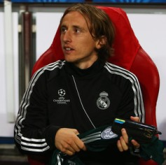 Chelsea, City and Man Utd Ponder Modric Move