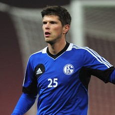Klaas-Jan Huntelaar Set To Reject Arsenal For Schalke Stay