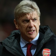 Arsene Wenger Insists Alex Ferguson Should Be Punished For Ref Blast