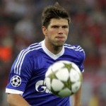 Arsene Wenger Hoping To Sign Huntelaar, Zaha In January