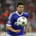 Klaas-Jan Huntelaar Demand £100,000-A-Week To Move To Arsenal