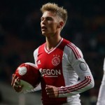 Arsenal, Man Utd Watching Ajax Striker Viktor Fischer