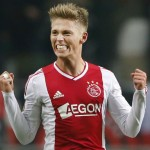 Viktor Fischer Scores a beautiful chip goal