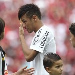 Neymar sheds a tear in last game for Santos – Video
