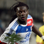 Lyon Striker Bafetimbi Gomis Set For Premier League Move