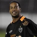 Ronaldinho Pays Tribute To Cristiano Ronaldo