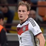 Man Utd Watching Schalke Defender Benedikt Howedes