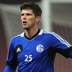 Arsenal Ready To Turn To Schalke Striker Klaas-Jan Huntelaar