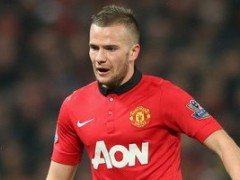 Arsenal Keeping Tabs On Man Utd Midfielder Tom Cleverley