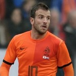 QPR Remain Interested In Hamburg Attacker Rafael van der Vaart